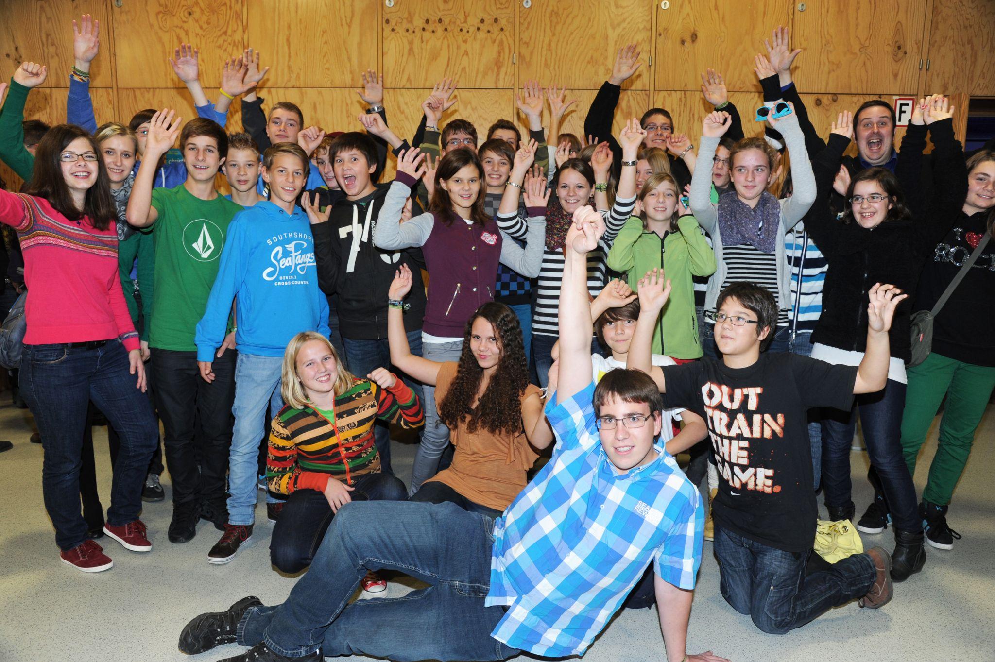 VollbuntAriseGruppenfoto2012